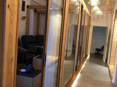 The foot massage hallway at Tim Thai Massage in Tel Aviv
